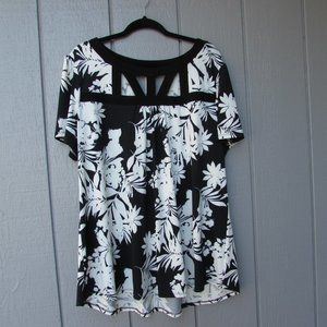 Perseption Woman's Beautiful Top!